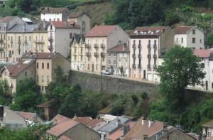 88 PLOMBIERES Fête des Jardins en terrasses Vue sur les façades avec balcons 7red 2014 08 03