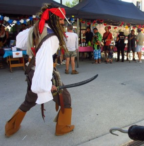 10 red 24 Verteillac Lire-larigot Jack Sparrow sosie