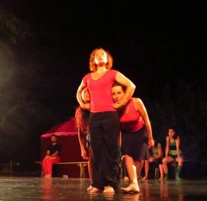 10 1 Vanxains TDM Versus danseurs rouges red
